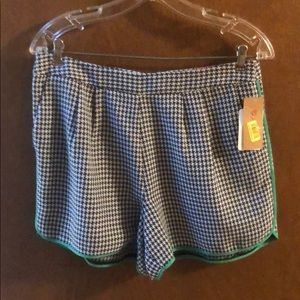 Cremieux Navy and White Print Shorts, 6 NEW
